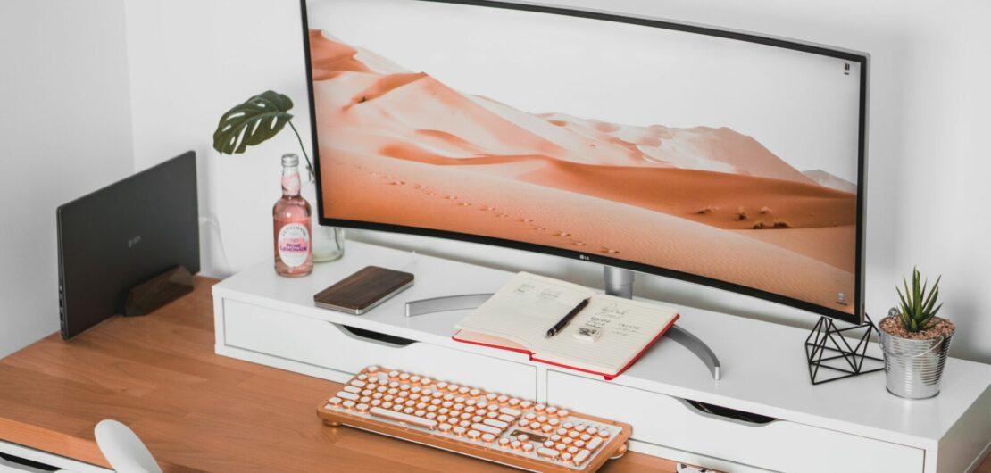 Foto capa da postagem sobre trabalho freelancer no site Gabriela Araujo.